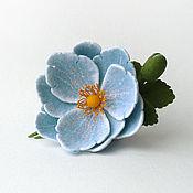 Украшения ручной работы. Ярмарка Мастеров - ручная работа Войлочная брошь «Голубой цветок». Handmade.