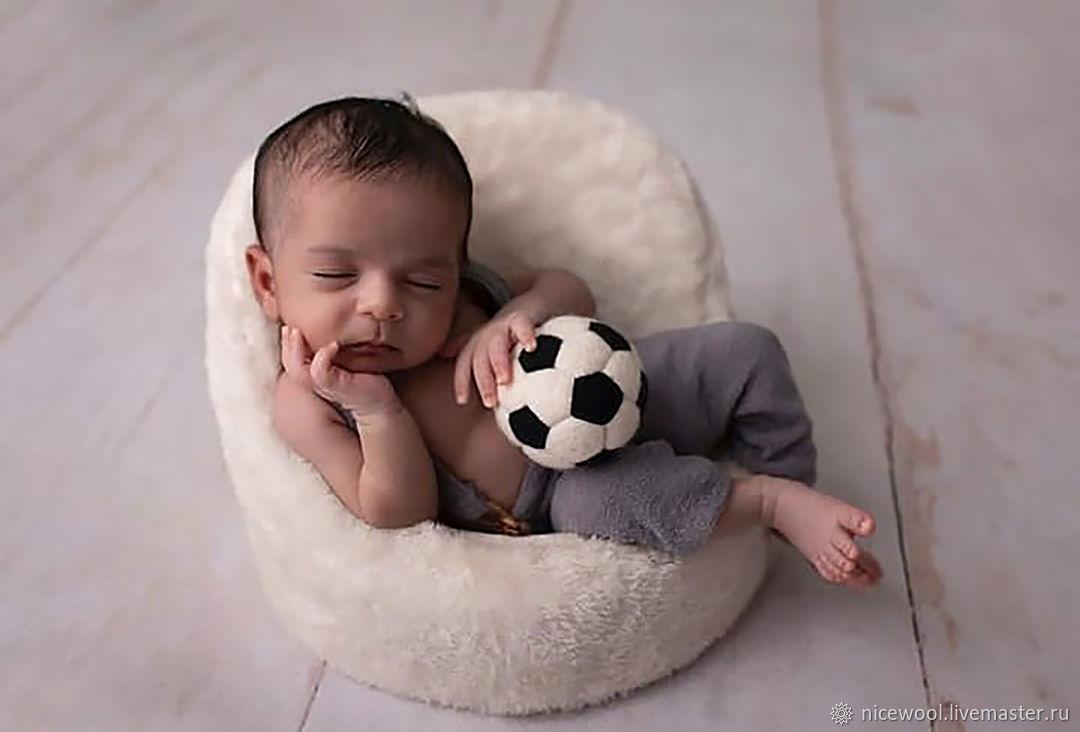 Аксессуары для фотосессии: футбольный мяч, Реквизит для детской фотосессии, Краснодар,  Фото №1