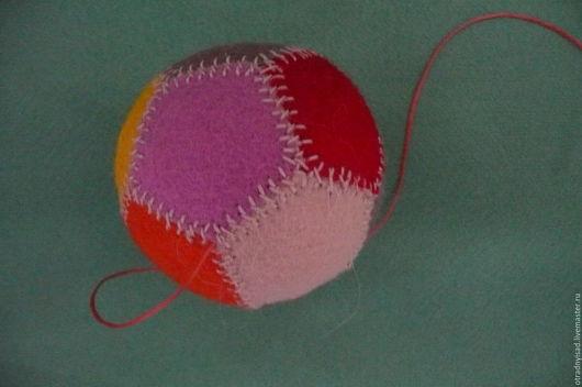 Вальдорфская игрушка ручной работы. Ярмарка Мастеров - ручная работа. Купить Мячик на мягкой резинке. Handmade. Вальдорский мяч