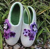 """Обувь ручной работы. Ярмарка Мастеров - ручная работа Тапочки валяные женские """"Белые с цветами"""". Handmade."""