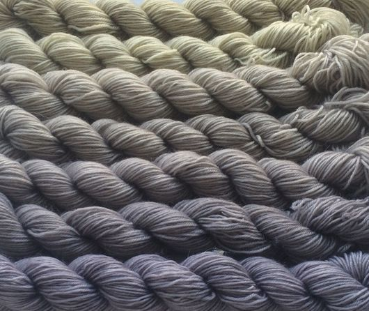 Вязание ручной работы. Ярмарка Мастеров - ручная работа. Купить Градиент. 100% меринос ластер ручной окраски- Old linen. Handmade.