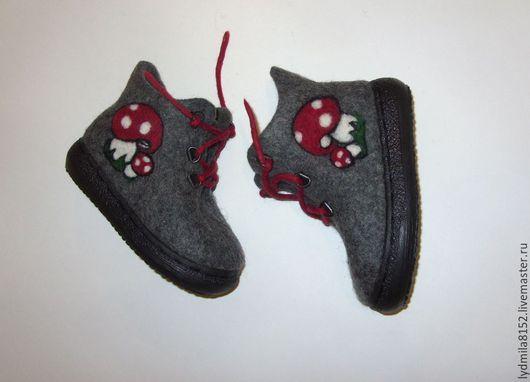 """Обувь ручной работы. Ярмарка Мастеров - ручная работа. Купить Ботинки """" Мухоморы"""". Handmade. Темно-серый, Ботинки из войлока"""