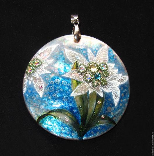 кулон с белым цветком, украшение с росписью