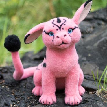 Куклы и игрушки ручной работы. Ярмарка Мастеров - ручная работа Розовый длиннохвостый Оурракс (фантазийная валяная игрушка). Handmade.
