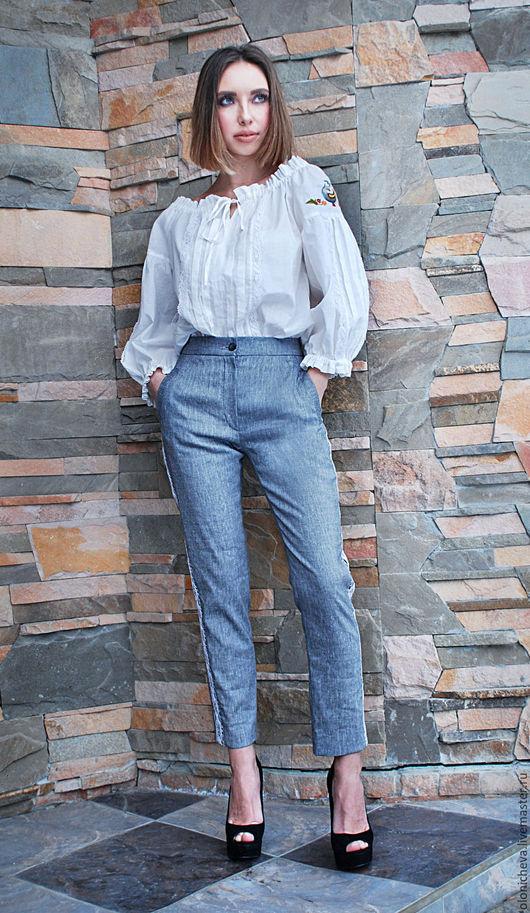"""Брюки, шорты ручной работы. Ярмарка Мастеров - ручная работа. Купить Брюки серые зауженные, брюки женские """"Белое кружево"""" с высокой талией. Handmade."""