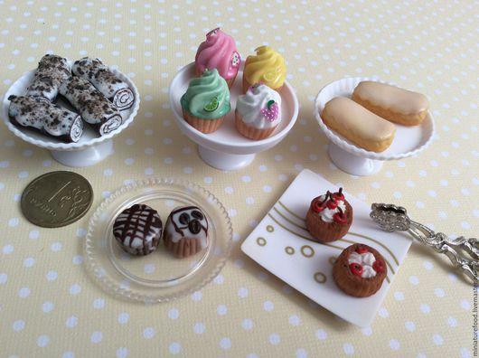 Фото кукольной еды, пирожные в ассортименте