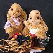 Куклы и игрушки ручной работы. Ярмарка Мастеров - ручная работа Влюбленные зайцы. Handmade.