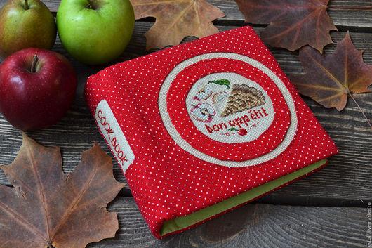 """Блокноты ручной работы. Ярмарка Мастеров - ручная работа. Купить Блокнот с вышивкой на кольцах """"Apple Pie"""". Handmade. Ярко-красный"""