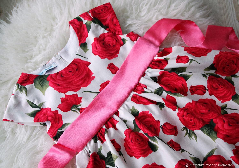 Платье нарядное детское Розы на белом