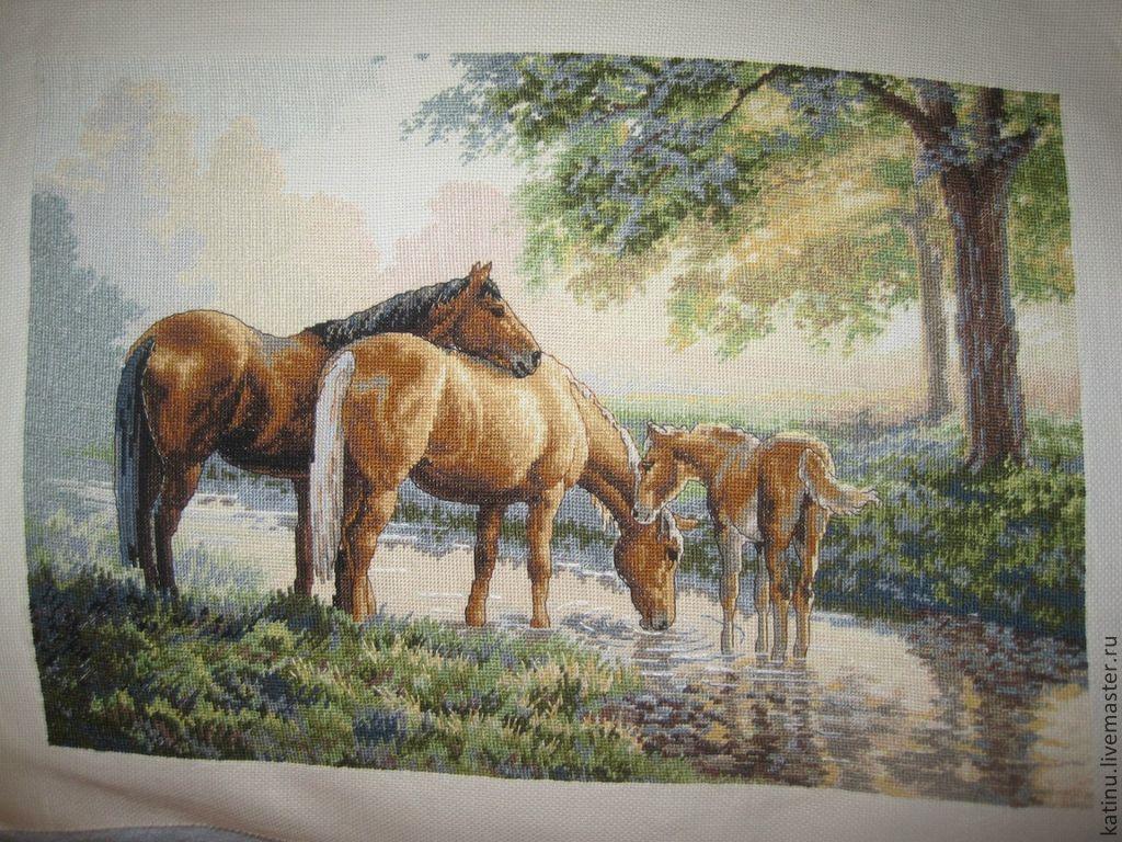 Вышивка крестом лошади в лесу 28