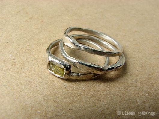 Кольца ручной работы. Ярмарка Мастеров - ручная работа. Купить Набор колец Зеленый из серебра с хризолитом. Handmade. Зеленый