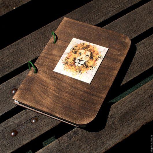 """Блокноты ручной работы. Ярмарка Мастеров - ручная работа. Купить Блокнот Скетчбук А5 """"Лев"""". Handmade. Бирюзовый, деревянный блокнот"""