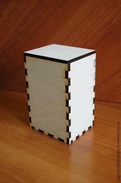 Шкатулка  (продается в разобранном виде) Не комплектуется фурнитурой Размер: 12х10х18,5 см Материал: фанера 6 мм
