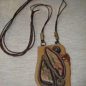 """Украшения ручной работы. Ярмарка Мастеров - ручная работа Подвеска"""" """"Дольмены""""из коричневой кожи с яшмой. Handmade."""