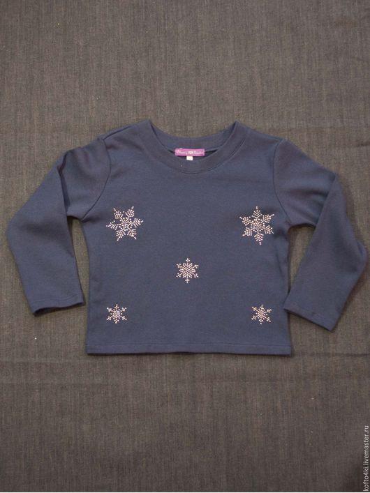 Одежда унисекс ручной работы. Ярмарка Мастеров - ручная работа. Купить Футболка детская новогодняя снежинки. Handmade. Тёмно-синий