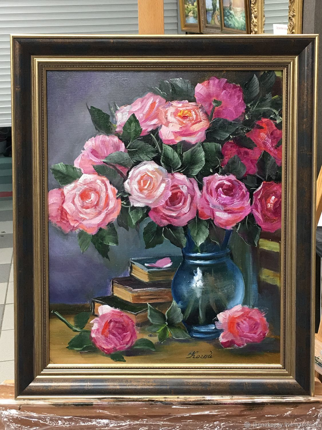 Roses in a blue vase, Pictures, Moscow,  Фото №1