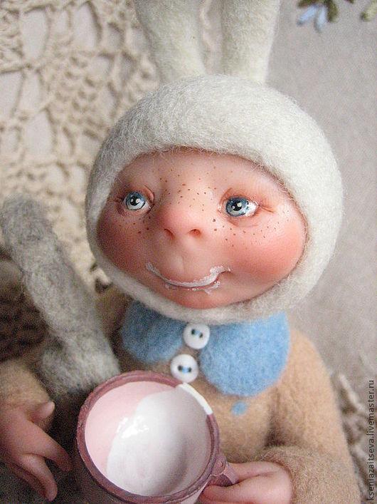 """Коллекционные куклы ручной работы. Ярмарка Мастеров - ручная работа. Купить """"Молочные усики"""" зайка-малышка. Handmade. Коллекционная кукла"""