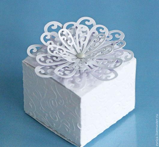 """Подарочная упаковка ручной работы. Ярмарка Мастеров - ручная работа. Купить """"Зефир"""" упаковка. Handmade. Белый, зефир, бумага для скрапбукинга"""