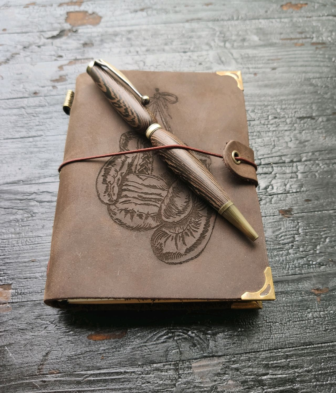 Notepad made of genuine leather and the handle is made of wood, Notebooks, Moscow,  Фото №1