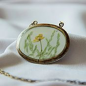 Украшения handmade. Livemaster - original item Oval brass pendant is in a retro style (epoxy and natural flowers). Handmade.