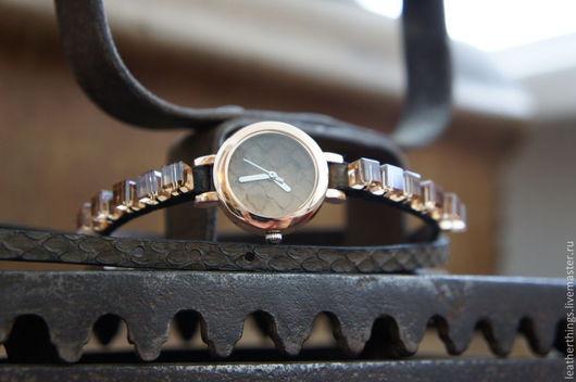Часы ручной работы. Ярмарка Мастеров - ручная работа. Купить Часы. Handmade. Змеиная кожа, мода, браслеты, змеиная кожа