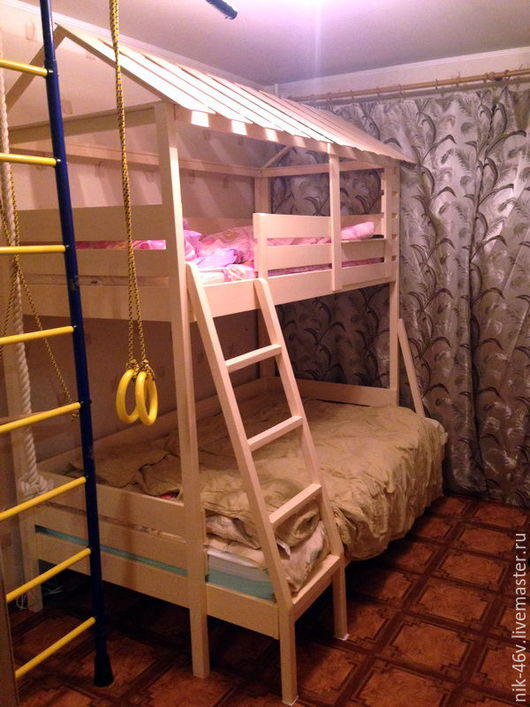 Акция 8 марта: кровать детская `Домик-1` ЭЛИТ по цене бюджетного варианта.  В чем суть - мы красим бюджетный вариант за свой свет (а это до 25% увеличения суммы.