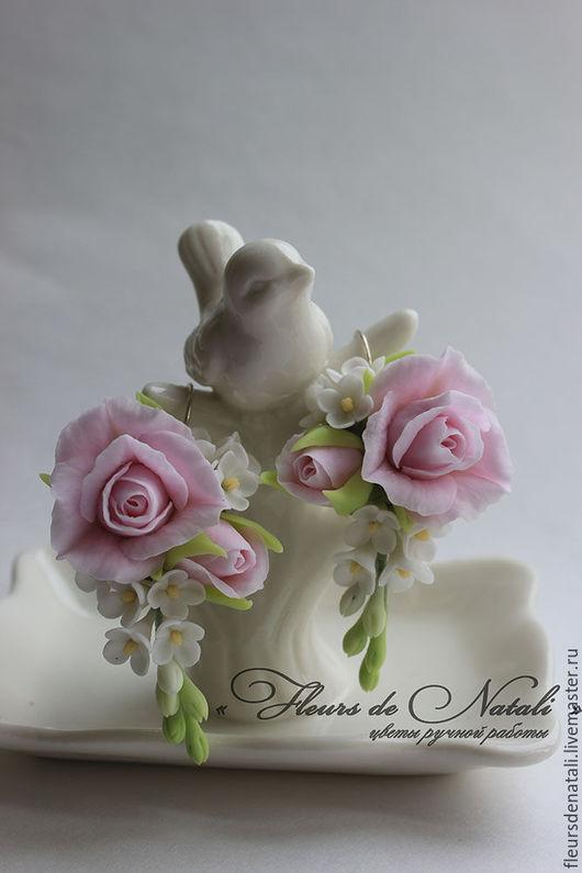 """Серьги ручной работы. Ярмарка Мастеров - ручная работа. Купить Серьги с розами и сиренью """"Нежность"""". Украшения с цветами. Handmade. Белый"""
