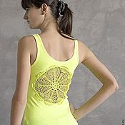 Одежда ручной работы. Ярмарка Мастеров - ручная работа Ярко-желтая майка с ажурной аппликацией на спине Размер XS-S. Handmade.