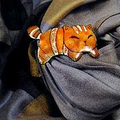 """Брошь-булавка ручной работы. Ярмарка Мастеров - ручная работа Брошь-булавка: Брошь   """"Апельсиновый кот"""" горячая эмаль. Handmade."""