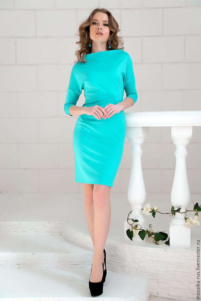 Платье цвета мяты с цветами