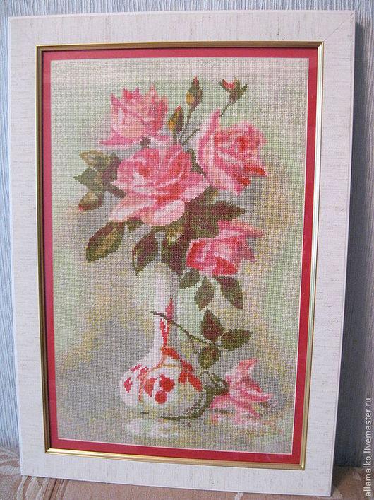 Картины цветов ручной работы. Ярмарка Мастеров - ручная работа. Купить Вышивка крестиком. Розы в вазе. Handmade. Коралловый, розы