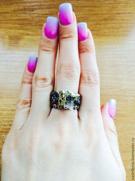 """Кольца ручной работы. Ярмарка Мастеров - ручная работа. Купить Авторское серебряное кольцо с горным хрусталём и сапфирами  """"Утёс"""". Handmade."""