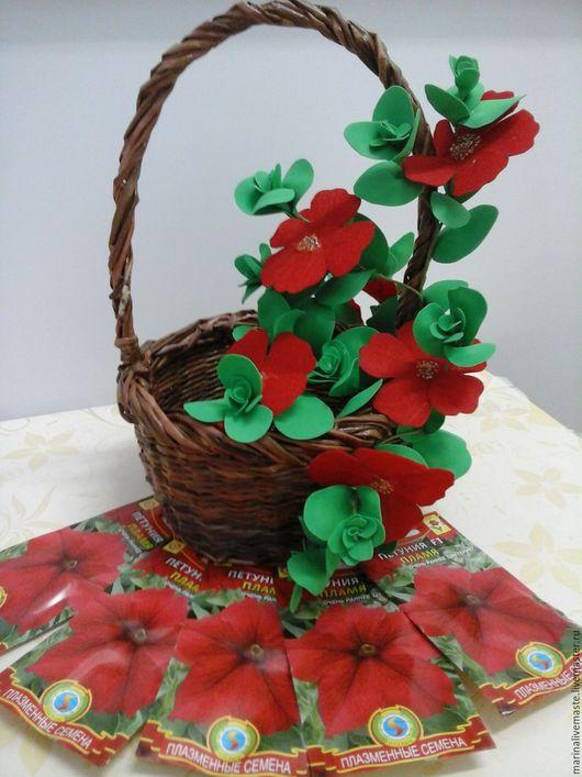 Экстерьер и дача ручной работы. Ярмарка Мастеров - ручная работа. Купить Подарочный набор : корзинка+ веточка петунии+ набор семян петунии. Handmade.