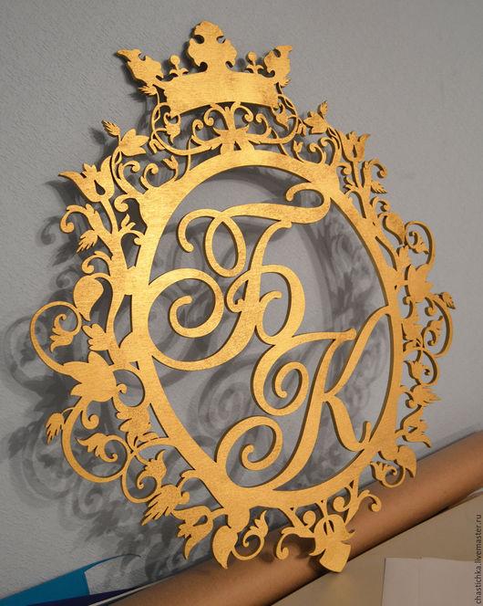 """Свадебные аксессуары ручной работы. Ярмарка Мастеров - ручная работа. Купить Монограмма с инициалами молодоженов """"корона"""". Handmade. Монограмма"""