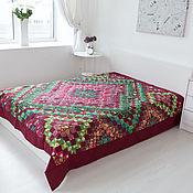 """Для дома и интерьера ручной работы. Ярмарка Мастеров - ручная работа Лоскутное""""Бордово-зелёное"""" двуспальное покрывало, печворк. Handmade."""
