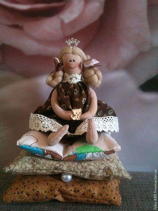 """Куклы Тильды ручной работы. Ярмарка Мастеров - ручная работа. Купить кукла тильда """"Принцесса на горошине"""". Handmade. Коричневый, бязь"""