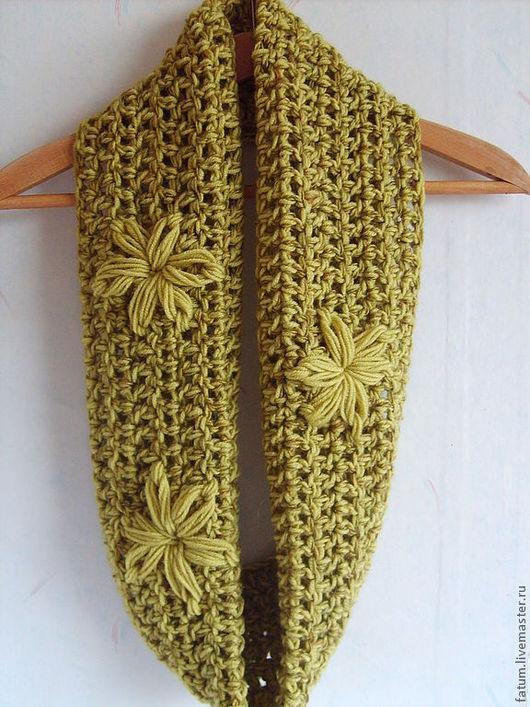 Шали, палантины ручной работы. Ярмарка Мастеров - ручная работа. Купить Вязаный комплект шарф-снуд и митенки Городские цветы. Handmade.