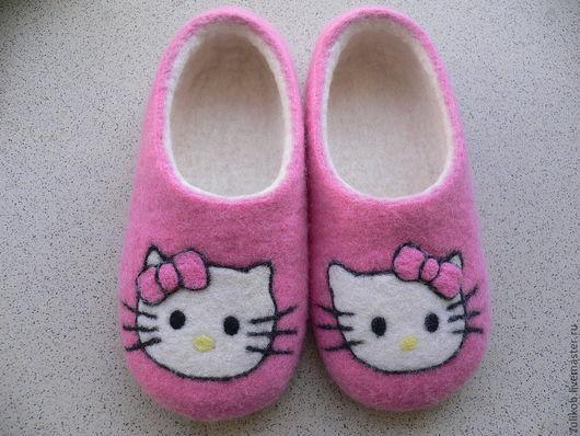Обувь ручной работы. Ярмарка Мастеров - ручная работа. Купить Валяные тапочки детские Kitty. Handmade. Розовый, войлочные тапочки