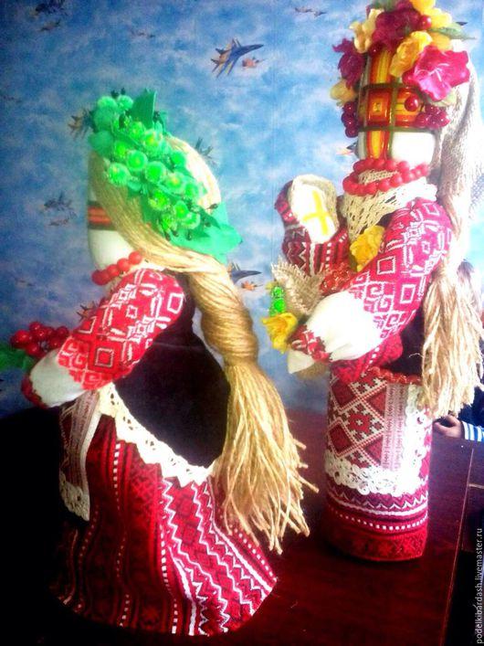 Куклы мотанки-берегини рода, по традиции без швов и узлов, использовался клей. Продаются в отдельности