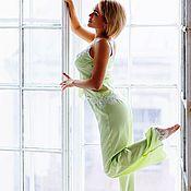 """Одежда ручной работы. Ярмарка Мастеров - ручная работа """"Весенняя нежность"""" - нежно-зеленая шелковая пижама с шантильи. Handmade."""