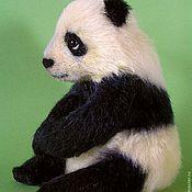 """Куклы и игрушки ручной работы. Ярмарка Мастеров - ручная работа Мягкая скульптура """"Маленькая панда"""". Handmade."""