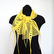Аксессуары ручной работы. Ярмарка Мастеров - ручная работа Жёлтенький Нуно-войлочный шарфик. Handmade.