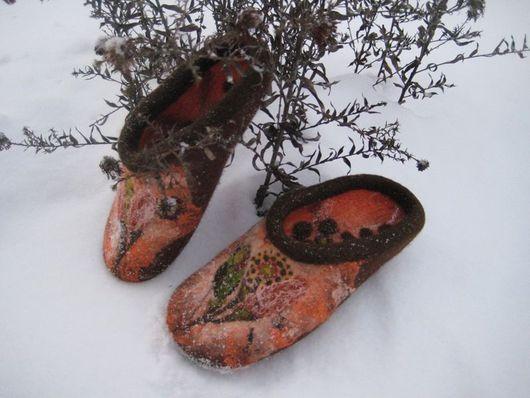 """Обувь ручной работы. Ярмарка Мастеров - ручная работа. Купить Тапочки """"Сухоцветы"""". Handmade. Оригинальный подарок, оранжевый цвет"""