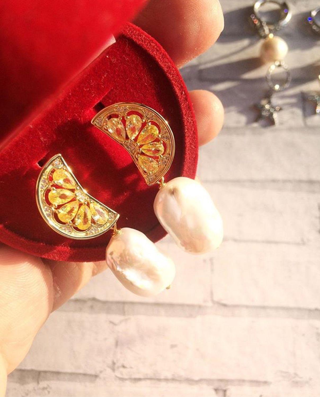 Серьги «Цитрус» с натуральным жемчугом и цирконами, Серьги-пусеты, Шадринск,  Фото №1