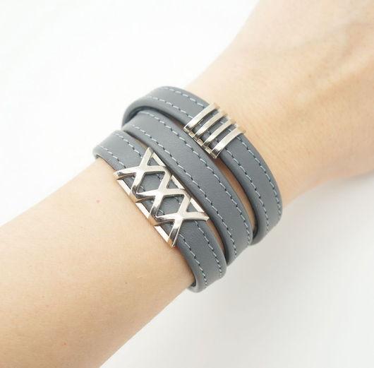 Браслеты ручной работы. Ярмарка Мастеров - ручная работа. Купить Кожаный браслет XXX, серый. Handmade. Браслет, браслет на руку