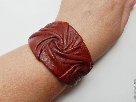 Браслеты ручной работы. Ярмарка Мастеров - ручная работа. Купить браслет из кожи, украшение из кожи. Handmade. Коричневый
