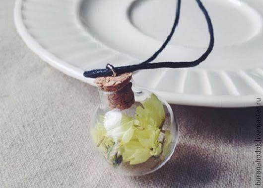 Кулоны, подвески ручной работы. Ярмарка Мастеров - ручная работа. Купить кулон-бутылочка Цветочек. Handmade. Кулон, цветы, стекло