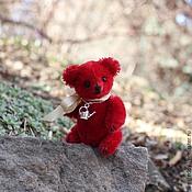 Куклы и игрушки ручной работы. Ярмарка Мастеров - ручная работа Авторский миниатюрный мишка Том (Little Mr.Tomato). Handmade.