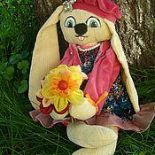 Куклы и игрушки ручной работы. Ярмарка Мастеров - ручная работа Зайка с цветами. Handmade.