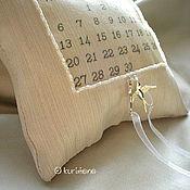 """Свадебный салон ручной работы. Ярмарка Мастеров - ручная работа """"Матильда"""" подушечка для колец с календарём. Handmade."""